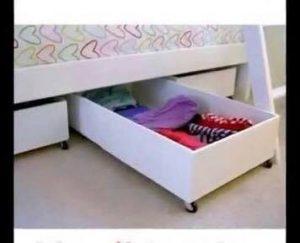 Organizador de zapatos de madera debajo de la cama